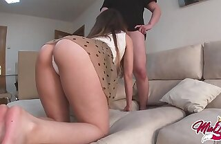 She fucks her worst collaborate to be creampied When her boyfriend is not at home